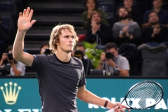 Alexander Zverev thanks the crowd after victory