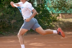 Alexandre Muller attacking with his forehand