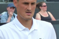 Bernard Tomic in between points