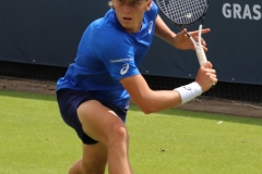 Emil Ruusuvuori prespares to hit a slice backhand