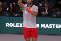 Fernando Verdasco salutes the crowd after his win