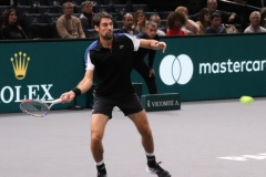 Jeremy Chardy returning a serve