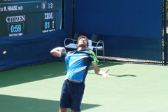 Robin Haase serving in the second set