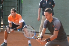 Luis David Martinez and Oliveira ready to return serve