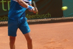 Yshai Oliel backhand warm-up